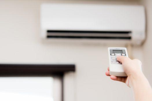 業者によるエアコン掃除の手順と時期は?優良業者の選び方もご紹介!