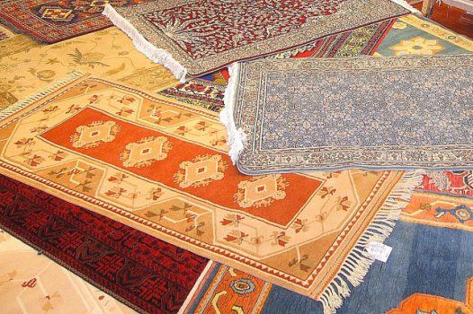 自分でできる絨毯のクリーニング方法とは?業者の選び方と気になる料金