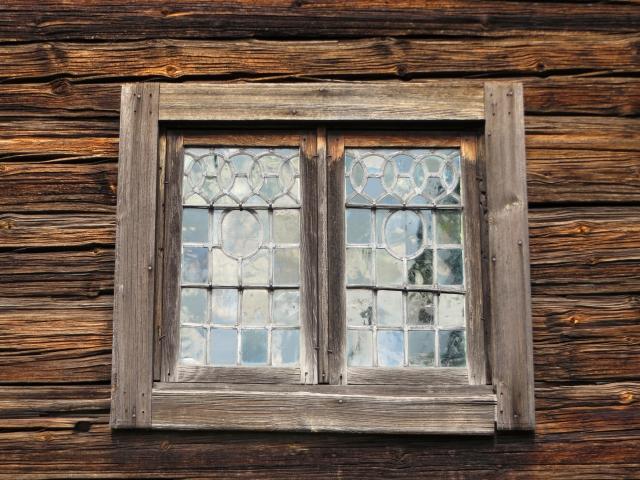 窓枠のカビ、サッシの黒ずみスルンと綺麗~!予防法もセットでどうぞ